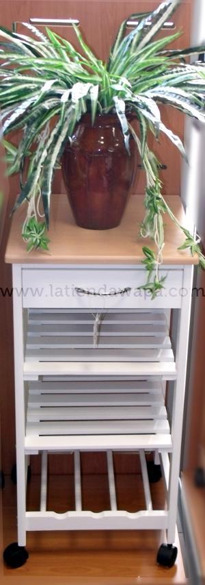Mesa de cocina con cestas