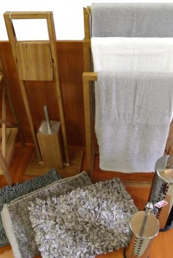 Toallero y accesorios de baño