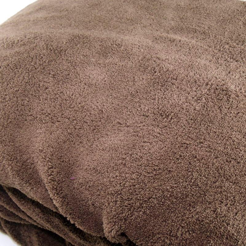 Manta marrón de microfibra