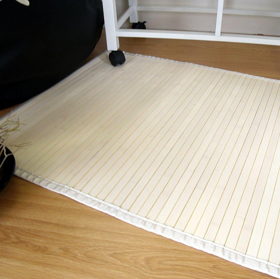 Alfombra de bambú de color blanco