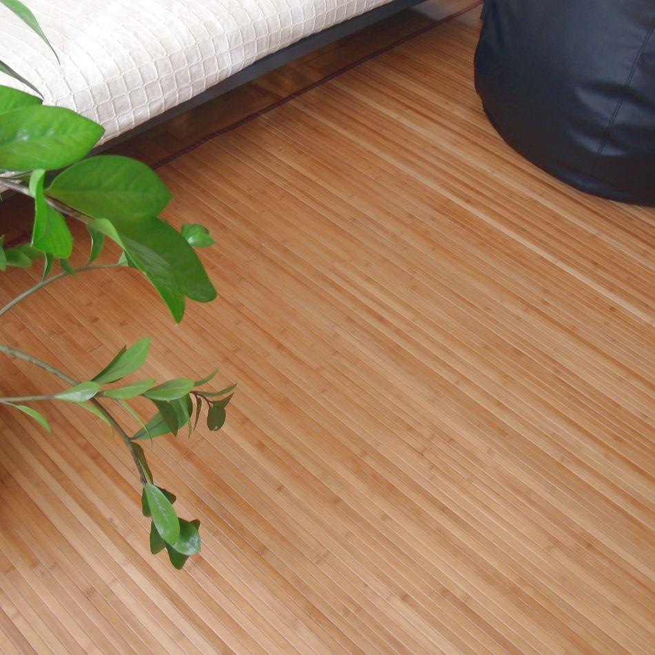 Detalle de la alfombra de bambú
