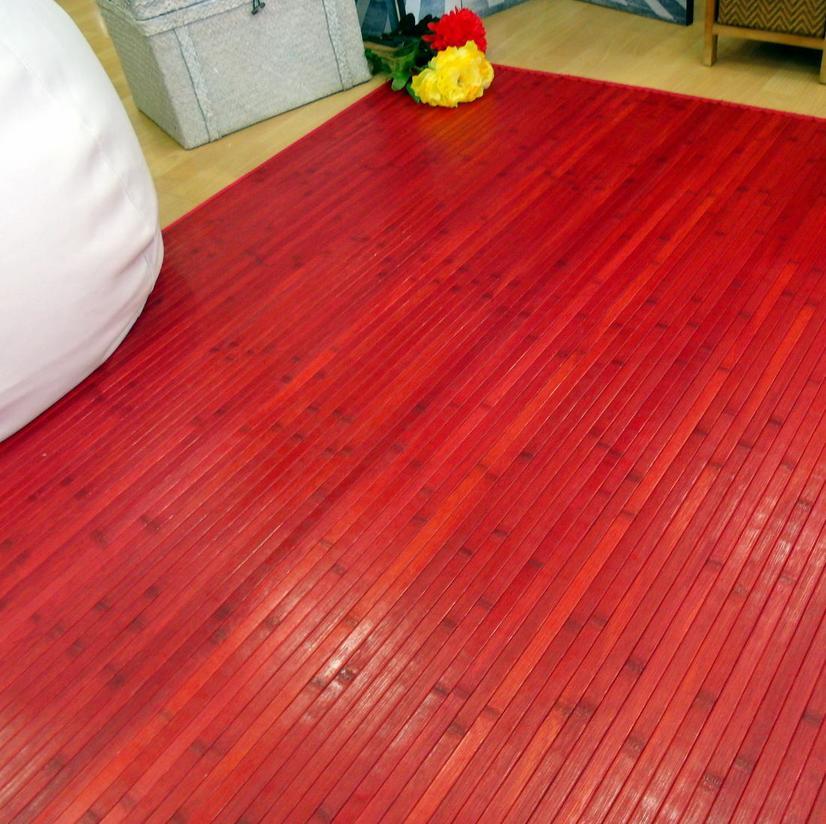 Alfombra roja de madera