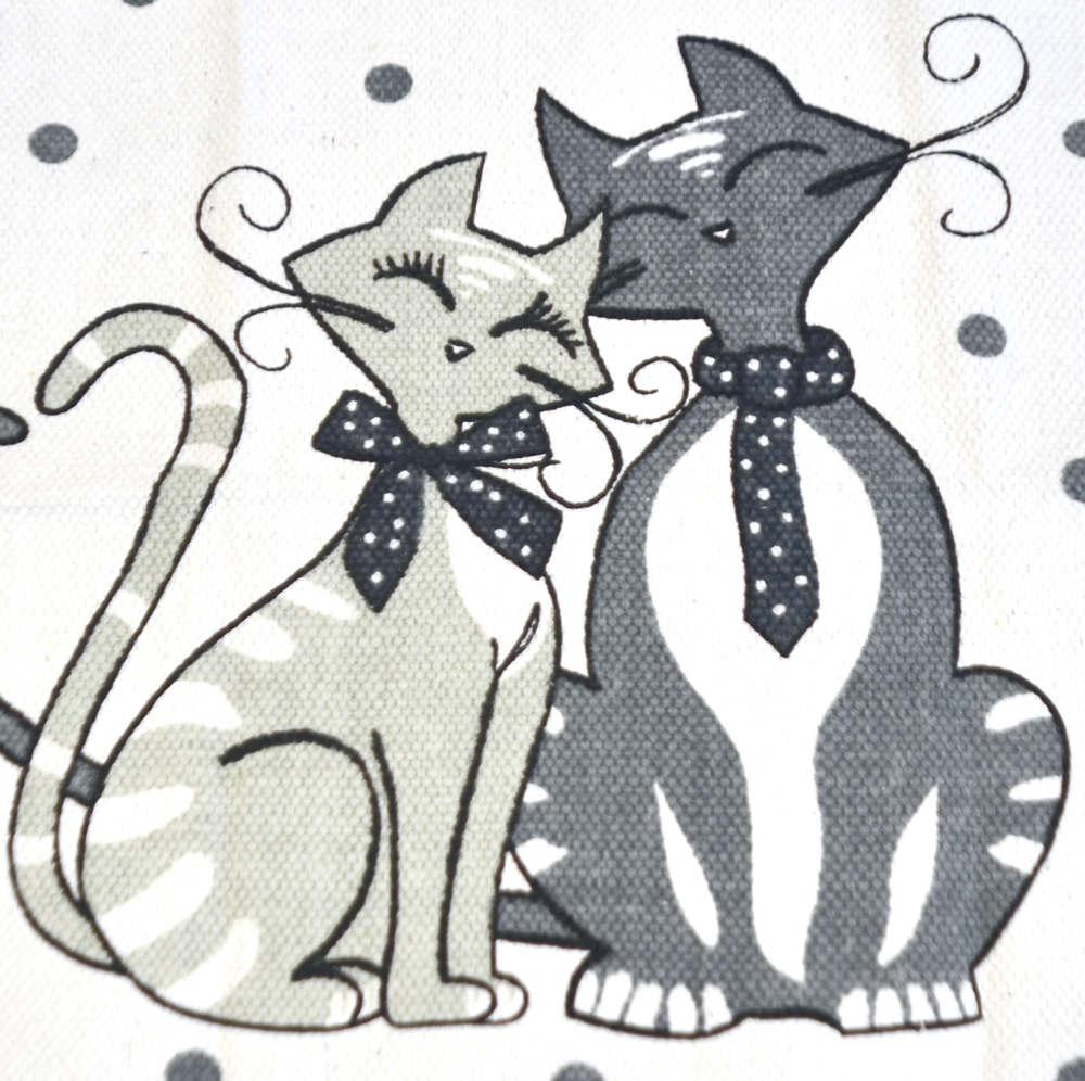 Alfombra con gatos