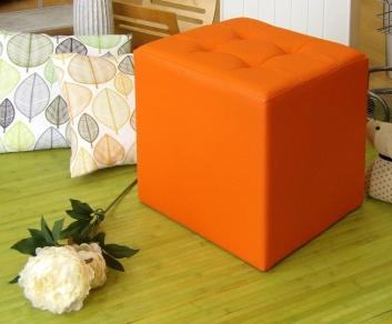 Puff y alfombra de bambú