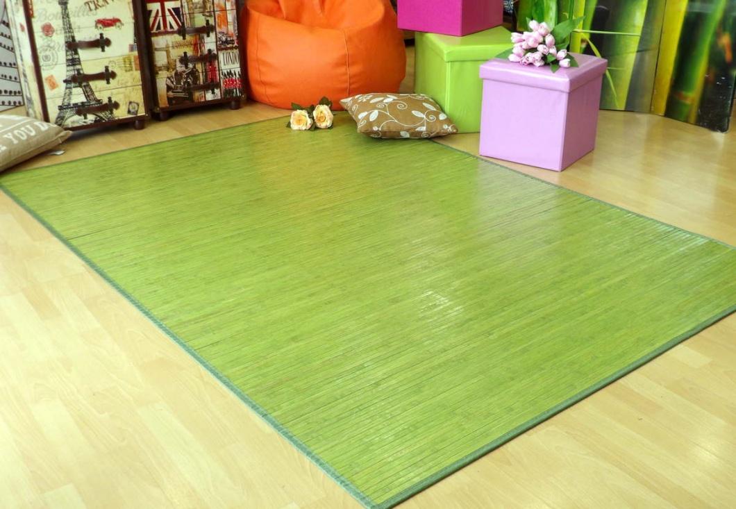Alfombra de madera verde