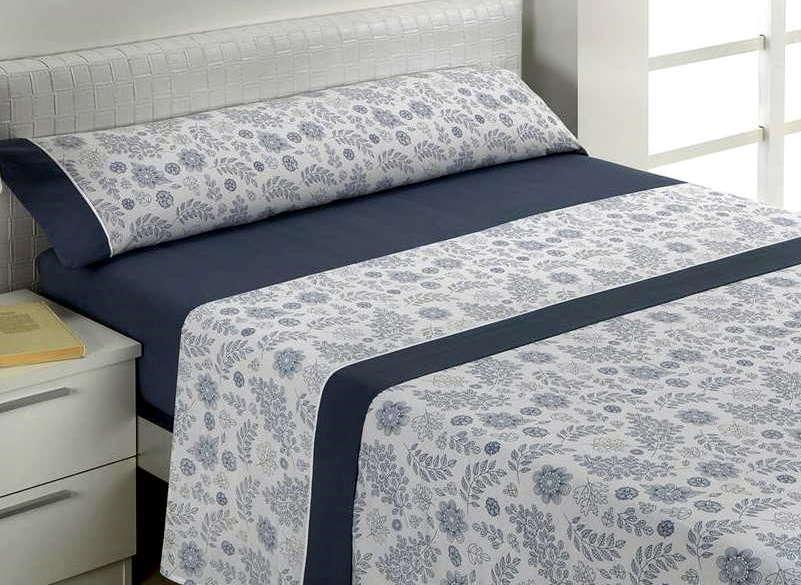 Juego de sábanas azul estampado