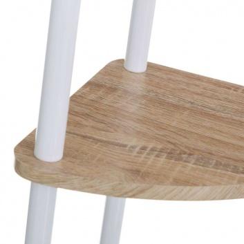 Esquinera de metal y madera