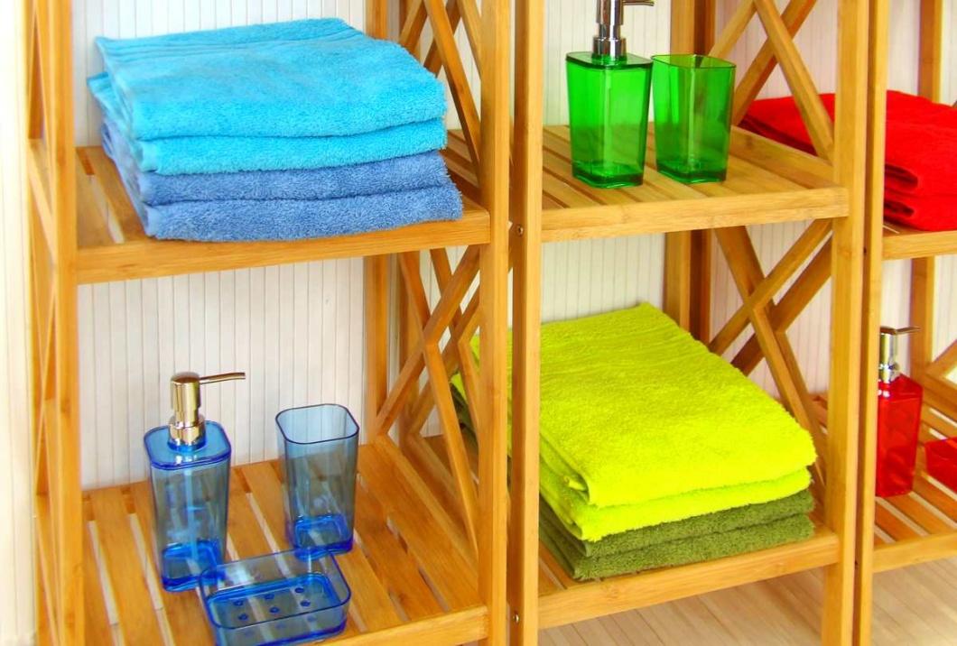 Estanterías de baño, toallas y juegos de baño