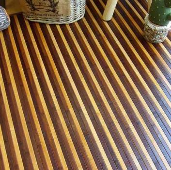Alfombra bambú con rayas