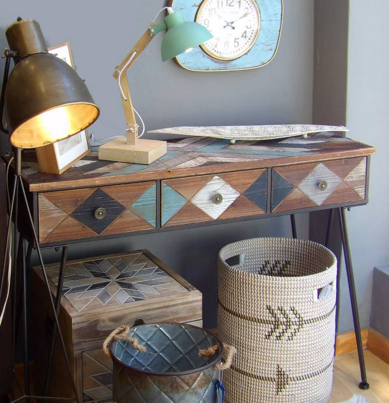 Muebles auxiliares y complementos